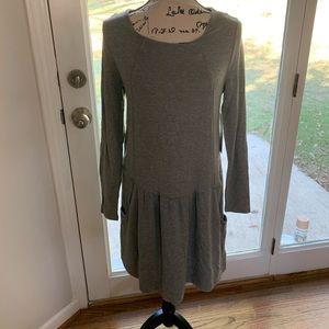 Medium long sleeve dress